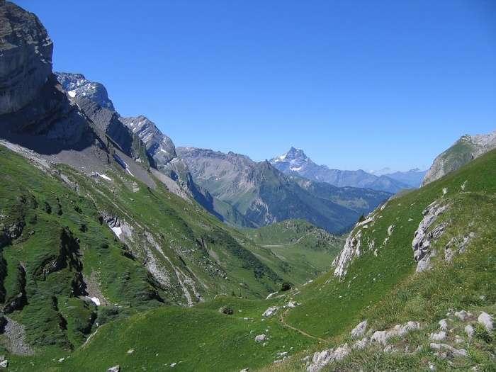 Mal da Montanha (enjoo das altitudes com náuseas, vómitos e dores de cabeça)