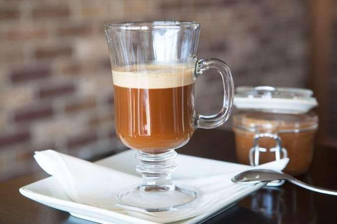 aprenda-a-fazer-cafe-cremoso-com-oleo-e-coco