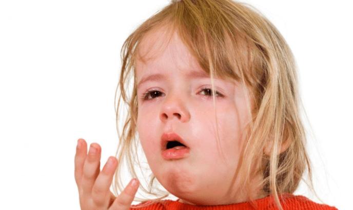 Vômitos em Crianças (corpo rejeita o que lhe é prejudicial)