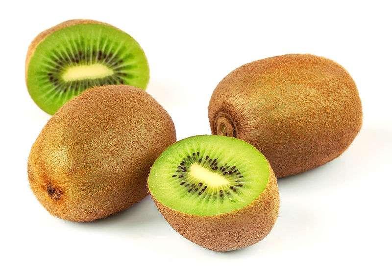 Kiwi: Benefícios, vitaminas, engorda, emagrece?