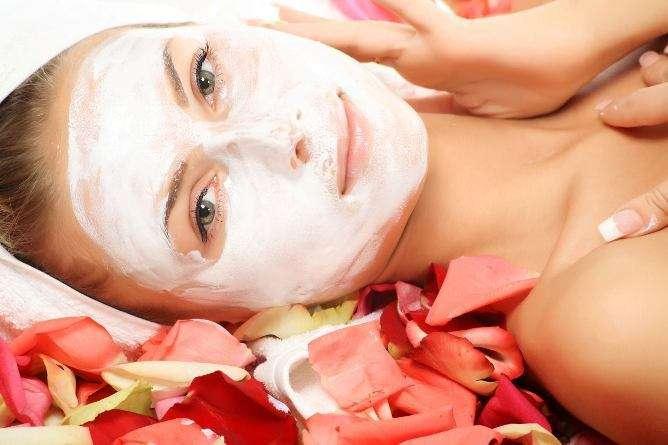 Máscara regeneradora de rosa branca