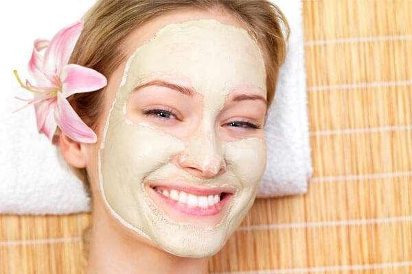 Máscara de morango para pele oleosa