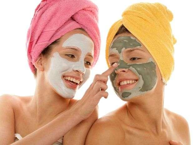 Argila para Pele do Rosto, Corpo e Cabelo – Benefícios, Tipos, Onde Comprar e Como Aplicar