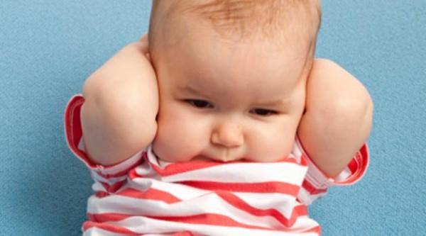 Como Limpar os Ouvidos do Bebê