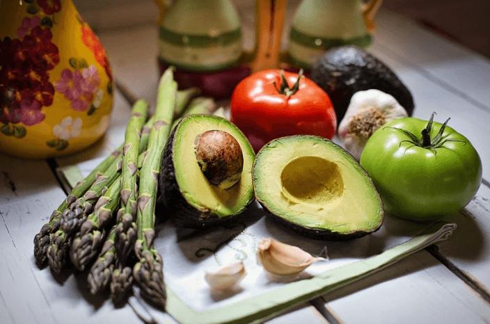 Como a alimentação ajuda no Tratamento da Caspa