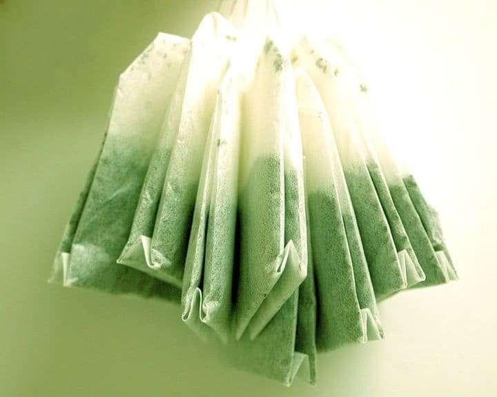 compressas de chá verde gelado