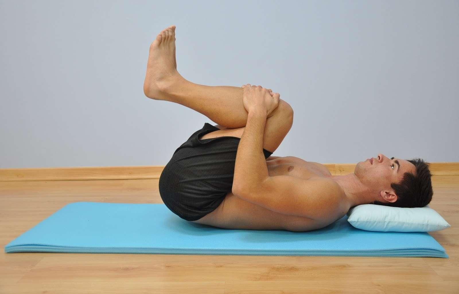alongamentos para acabar com as dores nas costas