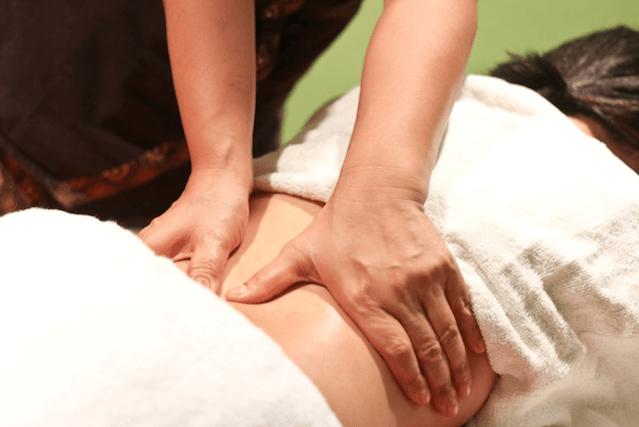Massagem Para Aliviar A Dor Causada Pela Lombalgia