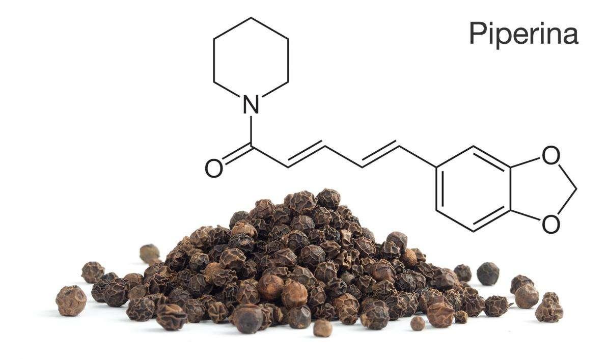 Piperina: 17 Propriedades e possíveis Benefícios para a Saúde