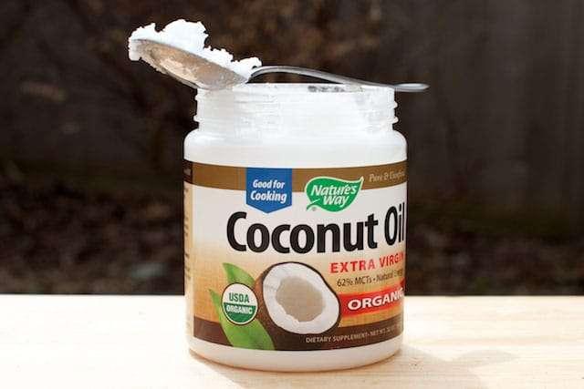 oleo-de-coco-ajuda-a-perder-peso