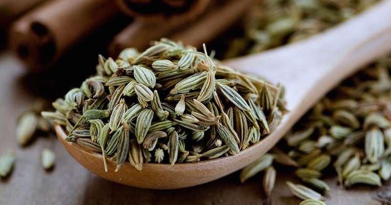 Foto de sementes de funcho (erva-doce)