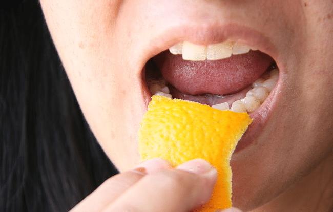casca-de-laranja-ou-em-po-como-pasta-de-dentes-natural