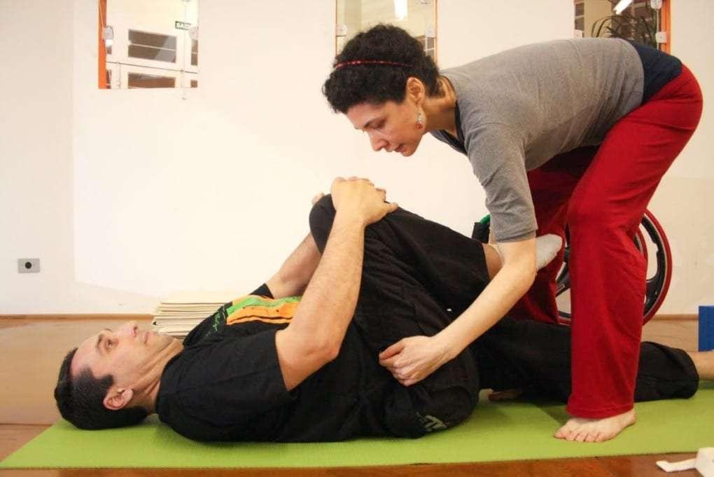 yoga-em-cadeira-de-rodas