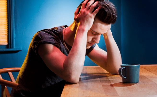os-sintomas-da-ressaca-causas-dor-de-cabeca-nauseas-e-vomitos