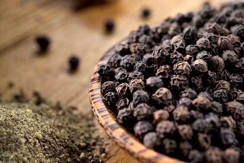 Oleo Essencial Das Sementes Da Pimenta Preta
