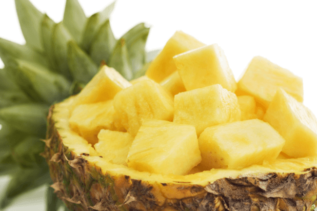 Suco de abacaxi para dor de garganta