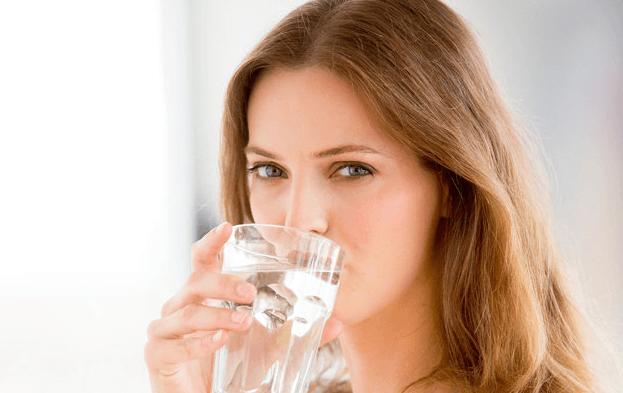 Beba 8 Copos De água Por Dia