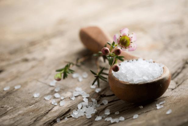 Sal de Epsom: 10 Benefícios Surpreendentes deste Banho Mágico