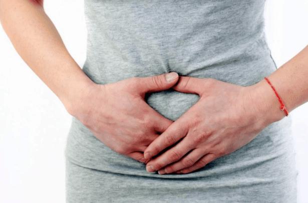 útero Alargado Pode Causar Dor E Inchaço No Abdomen