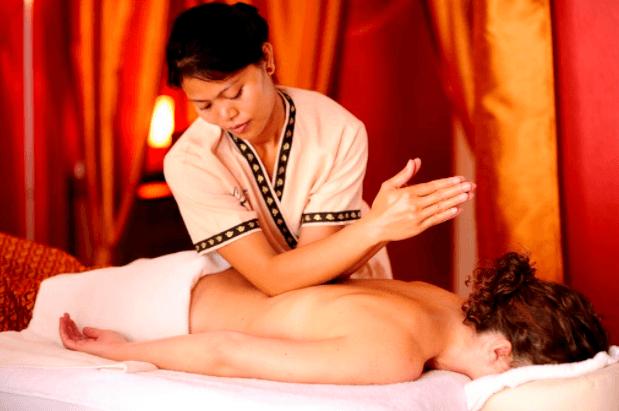 Terapeuta Qualificado Em Massagem Tailandesa