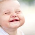 Alivie Os Sintomas Dos Primeiros Dentes Do Bebê Com 6 Remédios Naturais