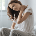 6 Causas De Dor No Pescoço Que Não Deve Ignorar Para Tratar E Prevenir O Evento No Futuro