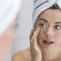 Ervas Adstringentes, Extratos E Óleos Para Apertar A Pele Do Rosto E Corpo