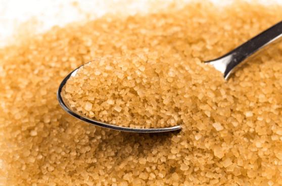 O que é o Açúcar Demerara? É mais saudável do que o açúcar branco?