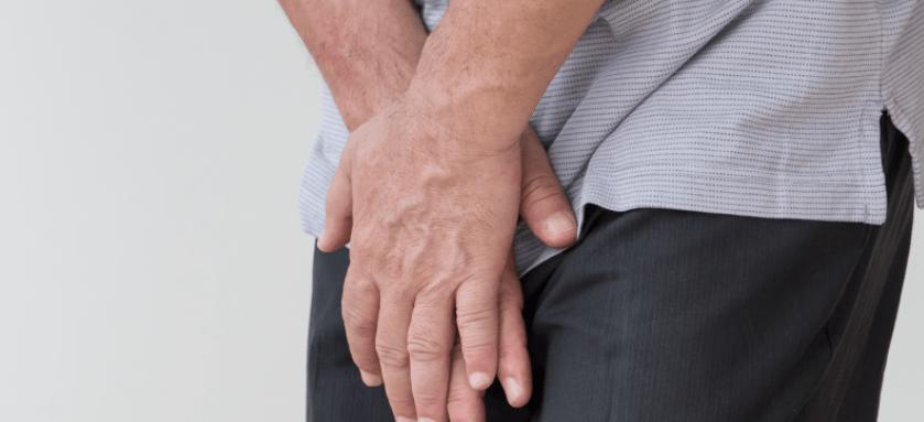 Sintomas de câncer de bexiga (+ 6 maneiras naturais para ajudar o tratamento do câncer)