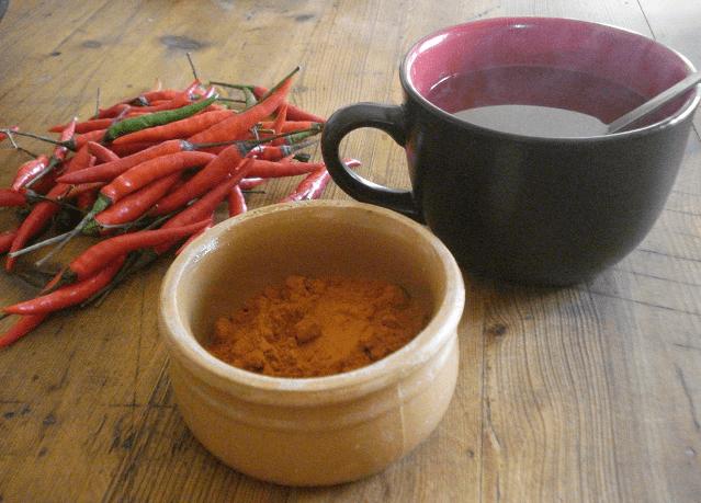Chá De Pimenta Caiena: 10 Benefícios, Usos e Como Preparar