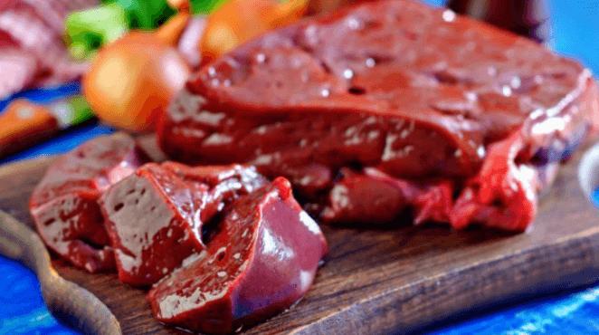 O Bife De Fígado é Uma Excelente Tonte De Colina Para Evitar A Deficiência Da Vitamina