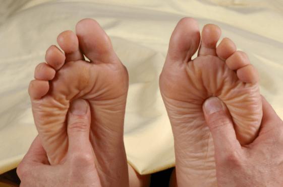 Uma Boa Massagem Nos Pés Pode Ajudar A Reduzir A Dor Crônica Da Neuropatia Diabética