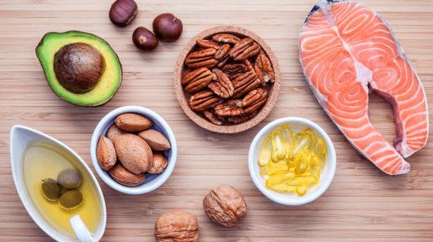 Vitamina B3 / Niacina: Benefícios, dosagem, alimentos, reações adversas e sintomas de deficiência