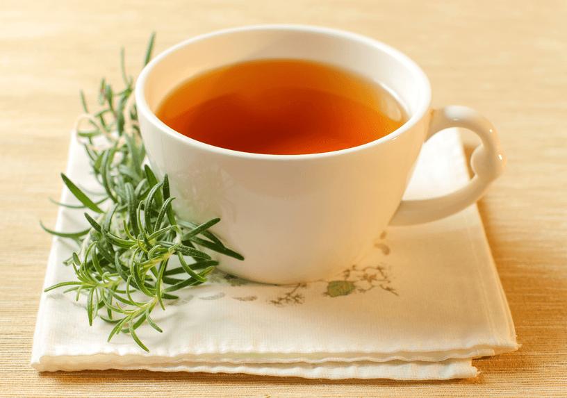 10 Benefícios do Chá de Alecrim + Efeitos colarerais e como preparar