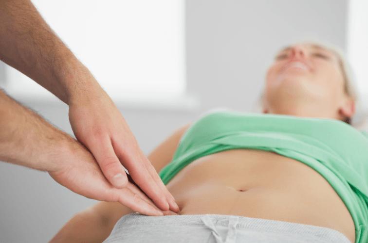 22 causas de dor pélvica e o que fazer para aliviar