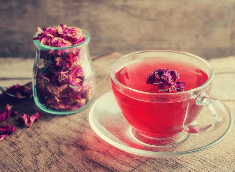 Chá de rosas: 12 benefícios + Como fazer e efeitos colaterais