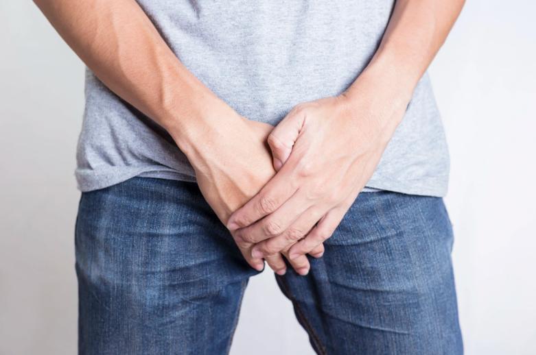 Varicocele: infertilidade e inchaço testicular + 2 sintomas, tratamentos e causas