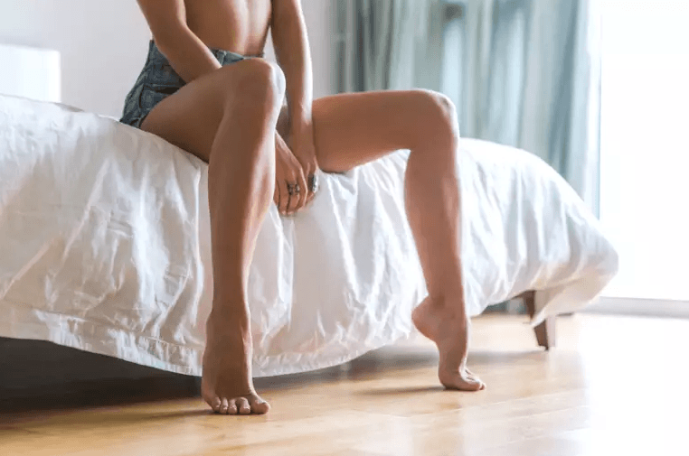 Mulher Preparando Se Para Fazer Os Exercícios De Kegel